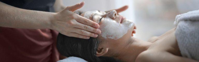 El peeling facial y sus beneficios para la piel